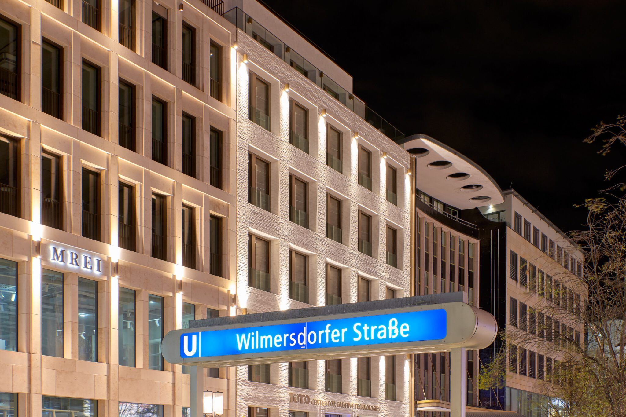 Außenansicht Wilmersdorfer Straße 59 und 60 bei Nacht